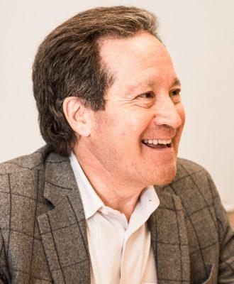 Alumnus Mike Koppel '78 (Nathan Oldham / UConn School of Business)
